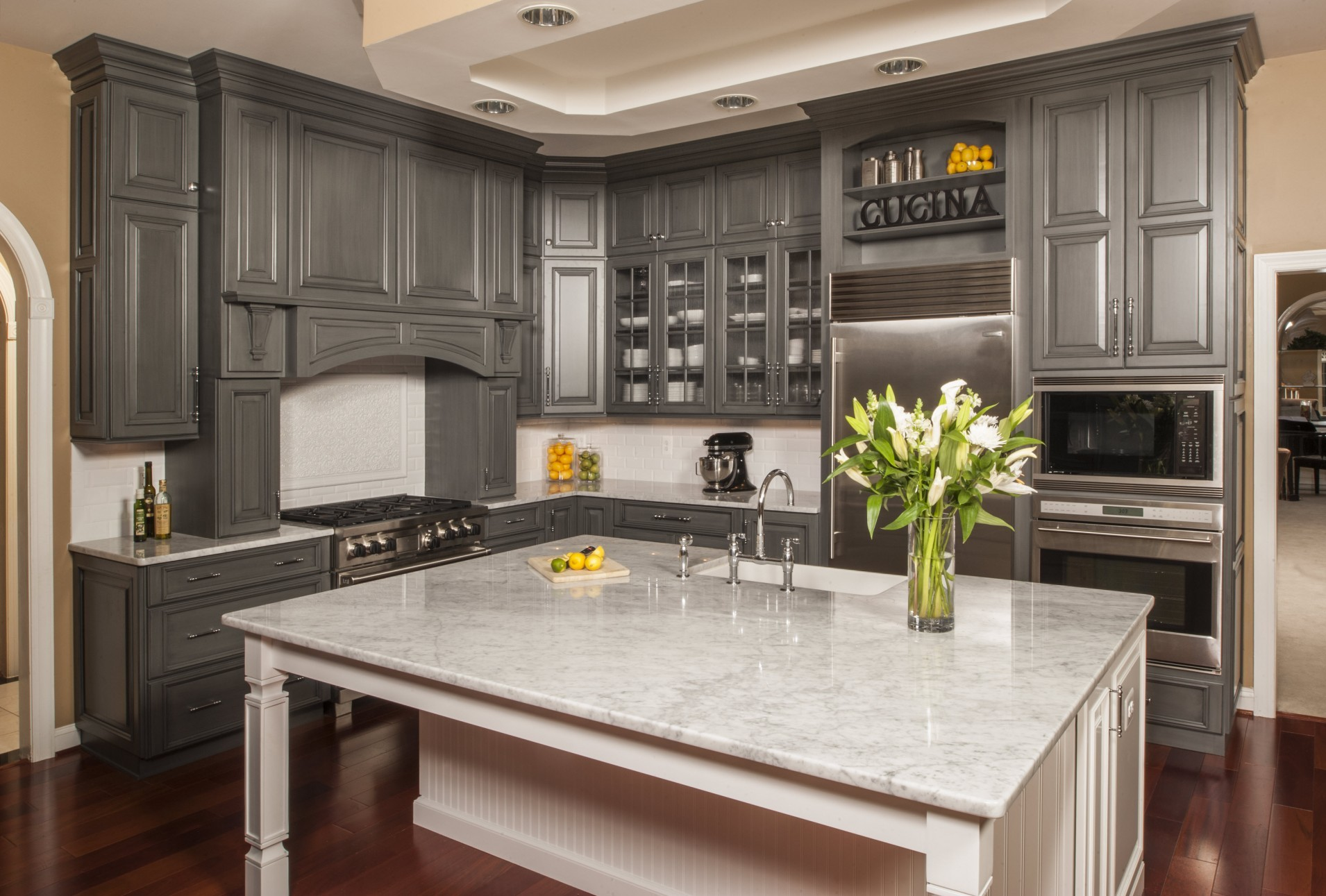 Holiday Kitchen cabinets in Morton Illinois