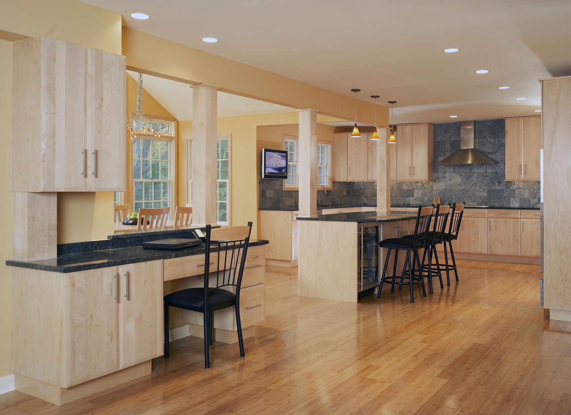 holiday kitchen cabinets in morton illinois frankfort kitchen cabinet refinishers 630 922 9714